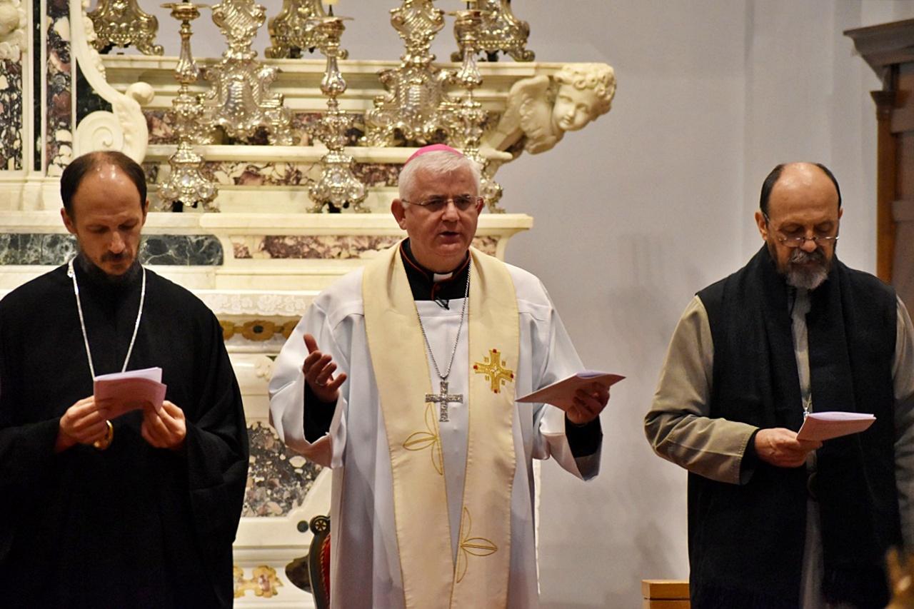 Katolički svećenici izlazi